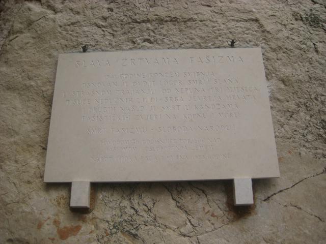 Spomen ploča na Pagu