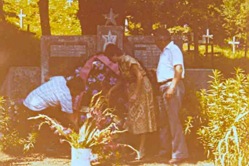 Spomenik zrtvama u Smiljanu-Spomenik žrtvama u Smiljanu