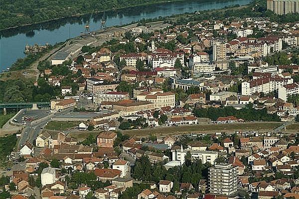 https://jadovno.com/tl_files/ug_jadovno/img/otadzbinski_rat/nove/brcko-panorama.jpg