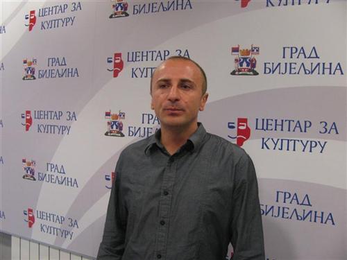 Autor, Mile Savić