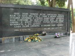 https://jadovno.com/tl_files/ug_jadovno/img/otadzbinski_rat_novo/2014/spomenik-glina.jpg