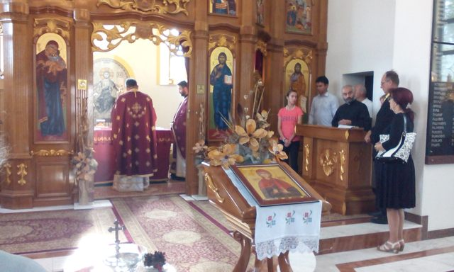 Služena liturgija u spomen hramu Svete Petke u Kozarskoj Dubici