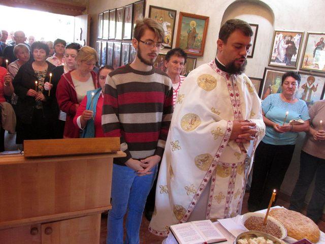 U crkvi Svete Velikomučenice Marine u Podravanju služen je parastos stradalim Srbima