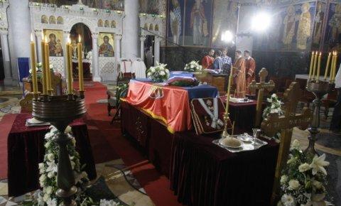 https://jadovno.com/tl_files/ug_jadovno/img/preporucujemo/2012/sahrana-knez-pavle.jpg