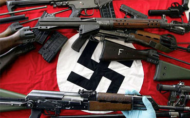 https://jadovno.com/tl_files/ug_jadovno/img/preporucujemo/2012/svastika-oruzje.jpg