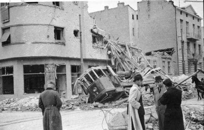 https://jadovno.com/tl_files/ug_jadovno/img/preporucujemo/2013/bombardovanje-beograda-1941.jpg
