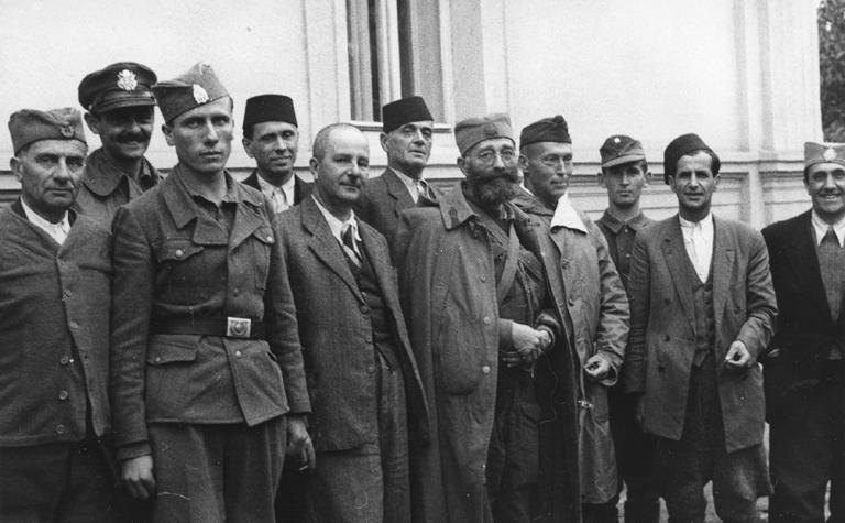 https://jadovno.com/tl_files/ug_jadovno/img/preporucujemo/2013/mihailovic_i_muslimani_u_Bosni_1944.jpg