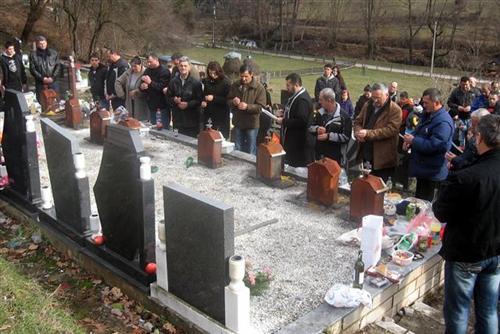 https://jadovno.com/tl_files/ug_jadovno/img/preporucujemo/2013/sekovici-lovnica-groblje.jpg