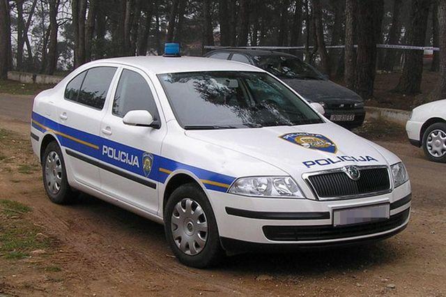 https://jadovno.com/tl_files/ug_jadovno/img/preporucujemo/2014/Hrvatska-policija_1.jpg