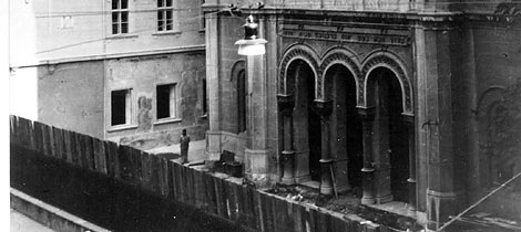 https://jadovno.com/tl_files/ug_jadovno/img/preporucujemo/2014/Srusena_sinagoga_u_Praskoj_ulici_u_Zagrebu.jpg
