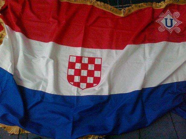 https://jadovno.com/tl_files/ug_jadovno/img/preporucujemo/2014/zastava-ndh.jpg