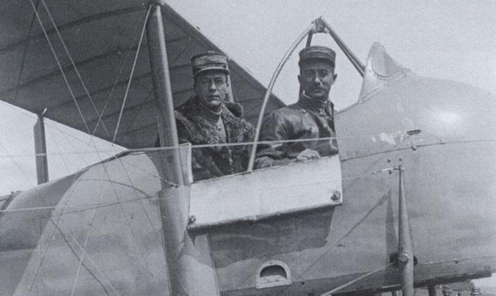 Pukovnik Furnije i kapetan Polan u kabini