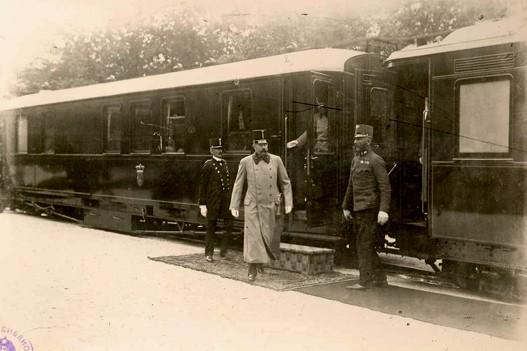 https://jadovno.com/tl_files/ug_jadovno/img/prvi_svjetski_rat/Dolazak-Ferdinanda-u-Sarajevo.jpg