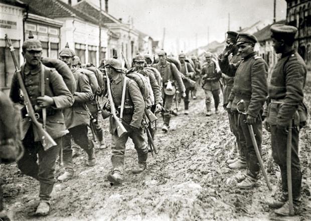 https://jadovno.com/tl_files/ug_jadovno/img/prvi_svjetski_rat/a-u-vojnici-bg.jpg