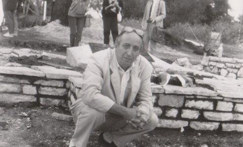 Miodrag Sokolović na terenu u Grčkoj, spomen-kosturnica u Guviji iz velikog rata