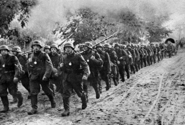 https://jadovno.com/tl_files/ug_jadovno/img/prvi_svjetski_rat/vojska-kolona.jpg