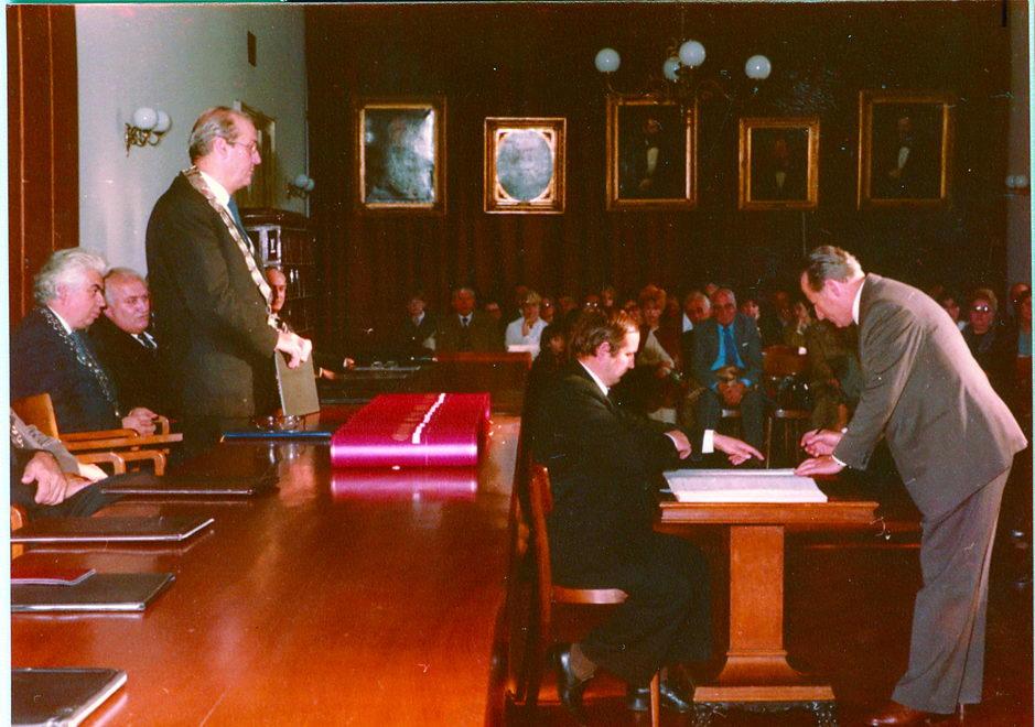 Dr Milan Bastašić na promociji u doktora medicinskih nauka, u Rektoratu Sveučilišta u Zagrebu, 1982. godina