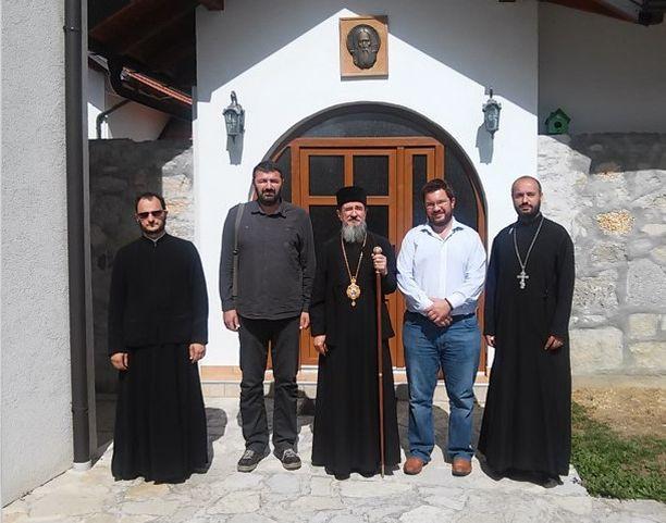 Predstavnici Udruženja Ognjena Marija Livanjska sa episkopom Atanasijem