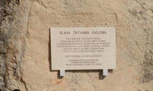 Nekadašnja Spomen ploča žrtvama Slane na Pagu