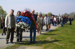 """Delegacija udruženja """"Jadovno 1941."""" iz Banjaluke položila vijenac i poklonila se nevinim žrtvama koncentracionog logora Jasenovac"""