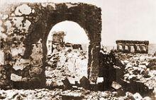 Na slici: Ruševine Podgorice posle savezničkog bombardovanja 1944. godine.