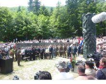 27/06/2011 18:20 | U nedelju je obnovljen spomenik jadovničkim žrtvama koji je bio uništen 1990: Komemoracija