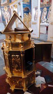 Проваљен и опљачкан храм св. Николе