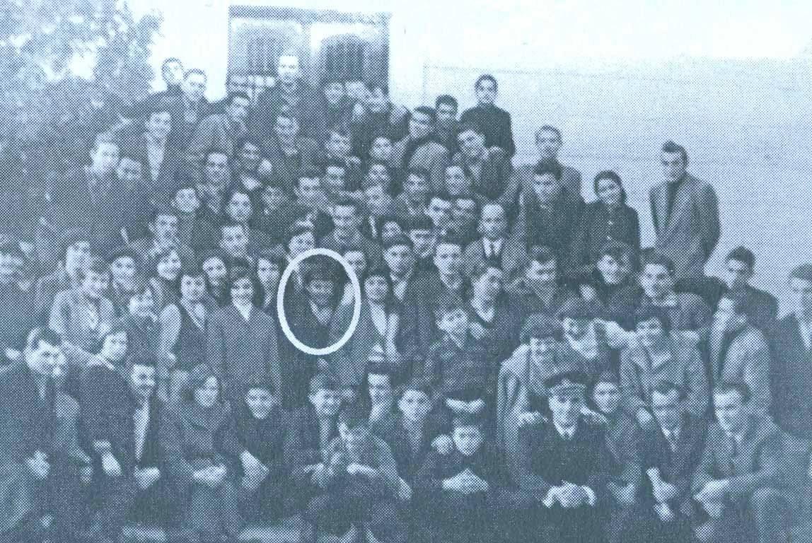 Ratna siročad u domu u Travniku 1955. godine (MIRA ŽDERO u sredini)
