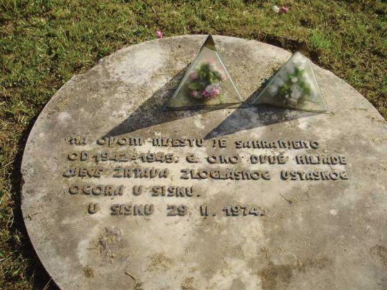Na_ovom_mjestu_je_sahranjeno_2000_djece