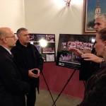 Izložbu su sa velikom pažnjom pregledali Njegova ekselencija ambasador Srbije u Velikoj Britaniji gospodin Ognjen Pribićević sa suprugom i paroh SPC u Londonu Goran Spajić