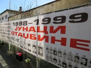Srpski_zid_placa_kod_Tuzilastva_za_ratne_zlocine_u_Beogradu.jpg