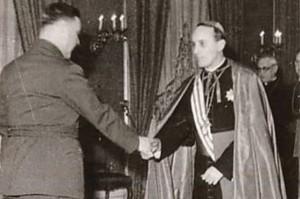 Poglavnik NDH Ante Pavelić i nadbiskup Alojzije Stepinac