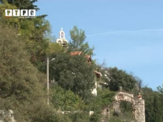 Manastir_Zavala_001