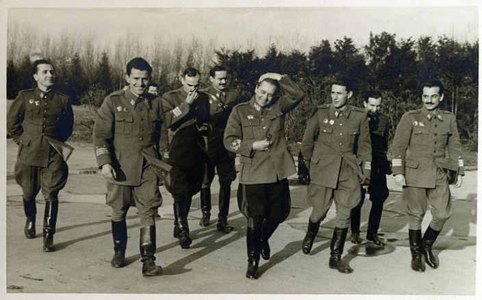 Josip Broz Tito sa generalima
