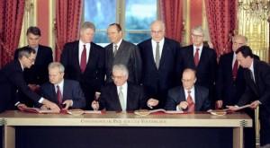 Potpisivanje Dejtonskog sporazuma u Parizu