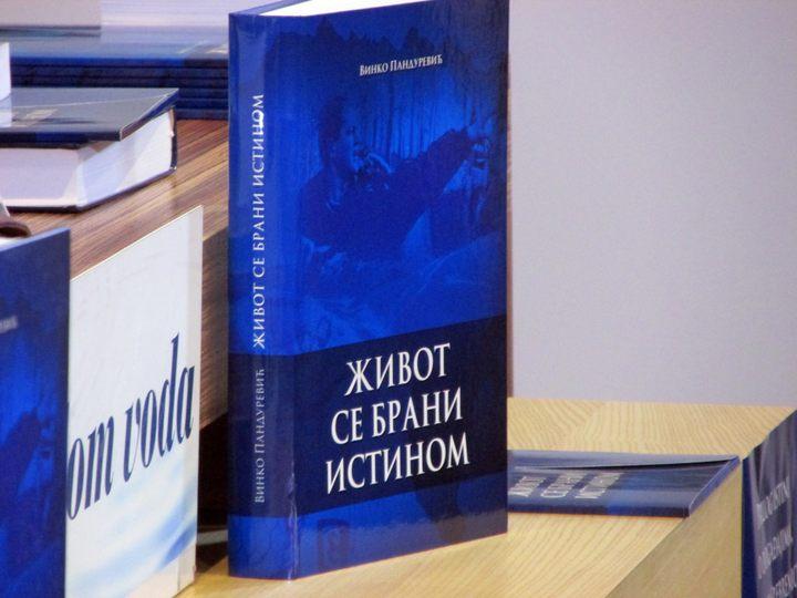 Knjiga Život se brani istinom
