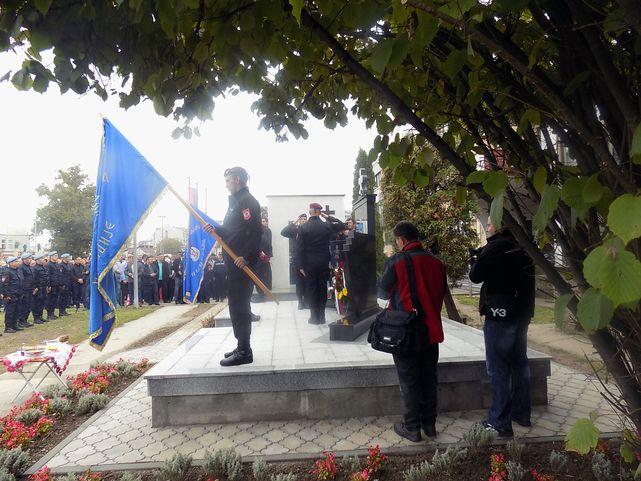 Освештан споменик припадницима Специjалне бригаде полициjе у Биjељини