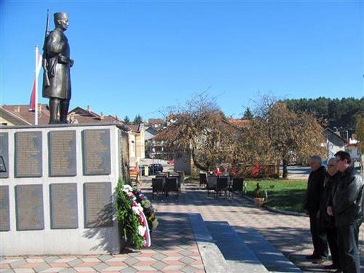 Položeni vijenci na spomenik solunskim dobrovoljcima