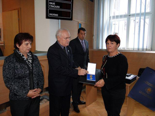 Uručena posthumna odlikovanja porodicama 14 poginulih boraca Vojske Republike Srpske