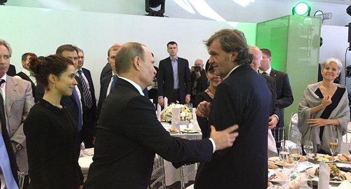 """Emir Kusturica zajedno sa Vladimirom Putinom na proslavi televizije """"Raša Tudej"""""""
