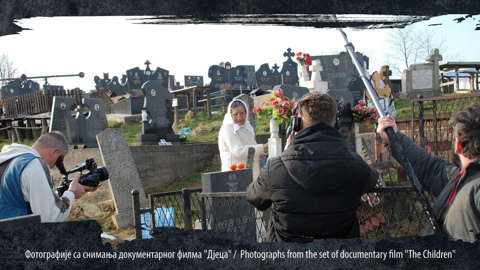 Јока Миловановић из села покрај Лопара са сниматељском екипом