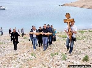 Časni Krst na mjestu logora Slana na ostrvu Pag