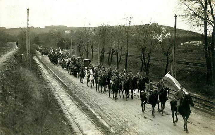 Соколска коњица доноси Бадњак