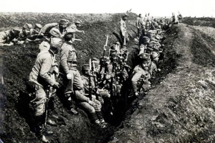 Srpska vojska u rovu na Solunskom frontu