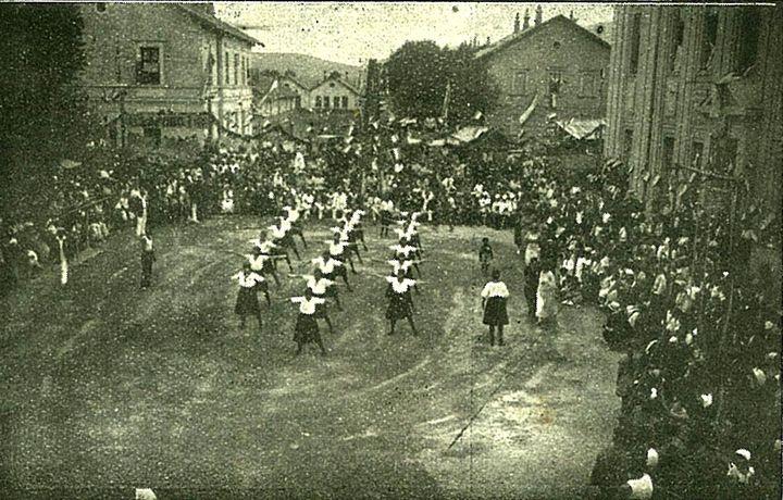 Ženski podmladak na sletu u Čapljini 1924