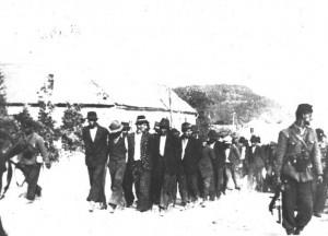 Ustaše odvode Srbe na Baniji 1942.