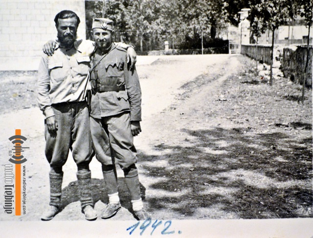 Kod sabornog hrama u Trebinju 1942.