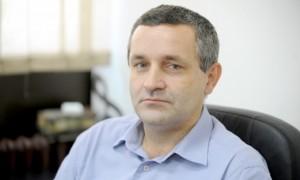 Potrebno je osnovati međunarodnu komisiju koja će utvrditi istinu o Srebrenici: Miodrag Linta
