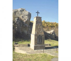 Spomenik streljanim sveštenicima (Foto Skupština opština Bela Palanka)