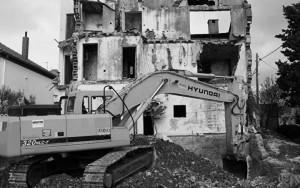 Uklanjanje 'opasnih ruševina' u Zadru